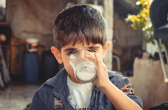 「值得投」人造奶是什么东西 人造奶概念股有哪些