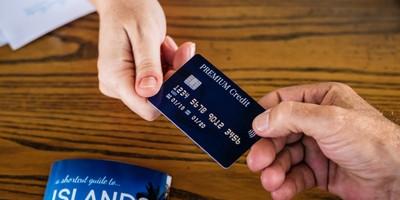 中信银行信用卡额度降低是怎么回事 可能是