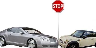241:别人借我的车出了事故保险公司还会理赔吗 该赔还得赔